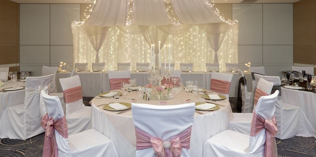 Eleganteventsqld elegant events provides brisbane and the gold coast the perfect wedding special events theming junglespirit Image collections